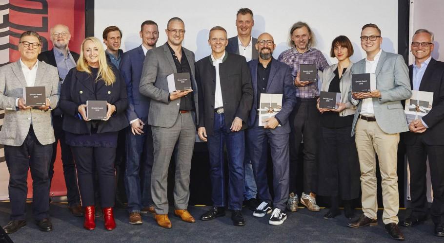 Awards18_6.jpg